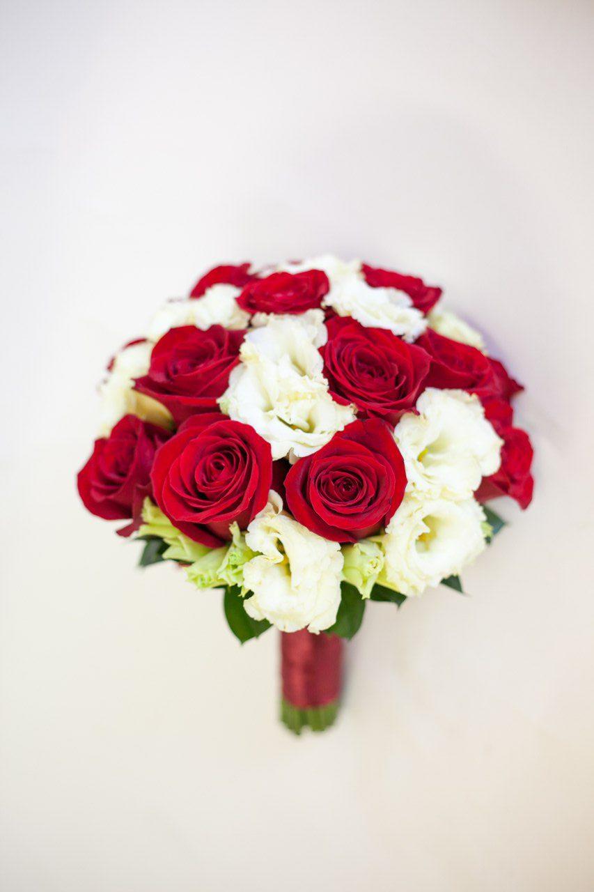 Свадебный букет «Красно-белый»