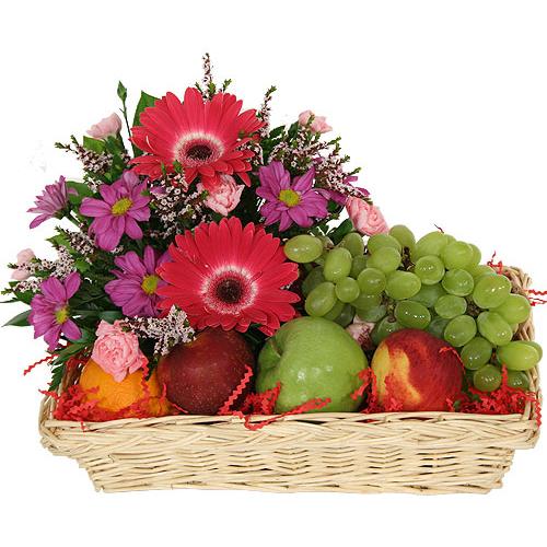 Корзина «Герберы с фруктами»